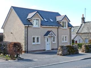 ADDIEWELL, French doors to patio, close to shop and pub, Sanquhar, Ref 20859 - Dumfries & Galloway vacation rentals