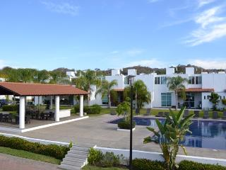 Bucerias Terralta 3 Concha 24-7 Gated Community, short walk to beach & Bucerias Centro - Bucerias vacation rentals