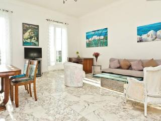 LUXURY 3 BEDROOM APARTMENT IN PLACE MASSENA - Nice vacation rentals