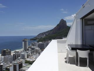 Rio004 - Penthouse in Leblon - Ipanema vacation rentals