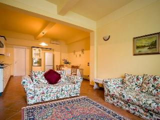Bargello elegant apartment in Florence city centre - Florence vacation rentals