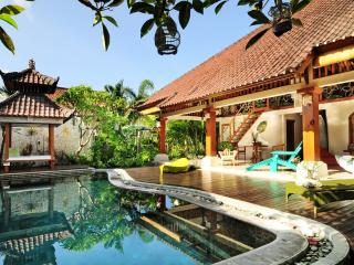 DOMUS DE JANAS VILLA 3 BEDROOMS FOR RENT SEMINYAK - Seminyak vacation rentals
