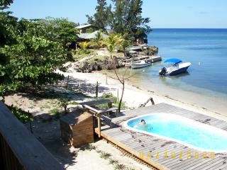 West Bay Beach-BEST LOCATION-3 bdrm, 3 ba w/ POOL - Bay Islands Honduras vacation rentals