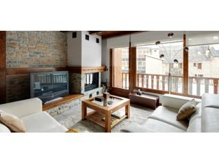 Grand Arties | Exclusive, spacious, family-friendly - Arties vacation rentals