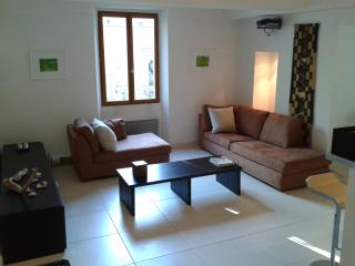 Antibes Old Town - 2 Bedroom Apartment - Antibes vacation rentals