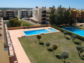 Charming 1 Bedroom Apartment Near Golf & Beach - Vilamoura vacation rentals
