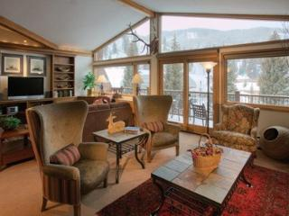 A spacious vacation condo at Manor Vail Lodge: Book today through Sept 21 and save up to 33% - Vail vacation rentals
