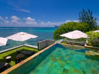 Amaranth 1, ultra-smart,  beach-front. fabulous roof-top pool. - Mauritius vacation rentals