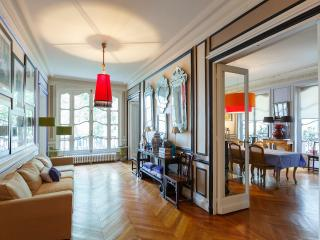 Courcelles Mansion by AvenueStory - Paris vacation rentals
