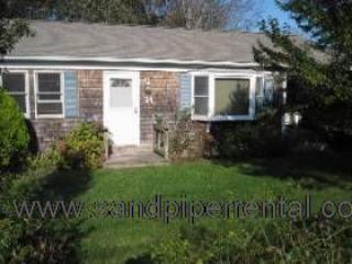 #7772  ranch style home w/ large backyard, sun porch & deck - Weston vacation rentals