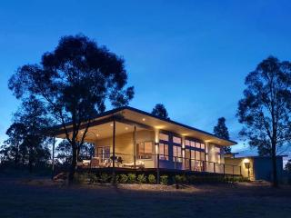 Blue Cliff Retreat - Hunter Valley vacation rentals