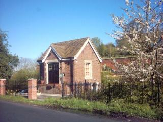 Tewkesbury Holiday Cottage - Glossop vacation rentals