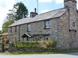 TOWN END COTTAGE, pets welcome, open fire, fantastic touring base, in Witherslack, Ref. 23921 - Witherslack vacation rentals