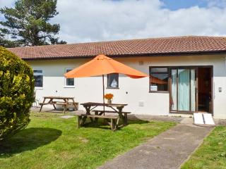 BRAY COTTAGE, pet-friendly single-storey cottage, close to beach and Exeter, near Sidmouth, Ref 25278 - Sidmouth vacation rentals