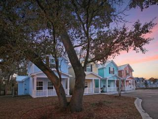 3 Beds Cottage w/ Pool&WiFi. One Block From Beach - Myrtle Beach vacation rentals