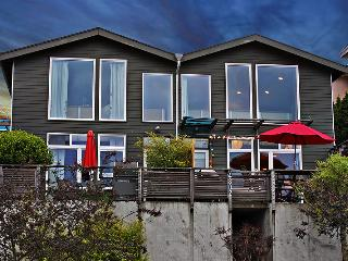Urban LOft Style Townhome - Seattle vacation rentals