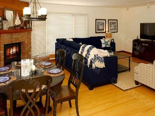 816 Monterey Court- 3-bedroom vacation rental. Sleeps 9 Steps to Bay/ Beach - San Diego vacation rentals