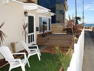 Single family home just steps from the ocean - Sleeps 10!. - San Diego vacation rentals