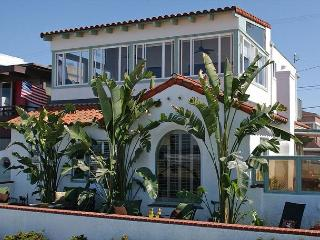 3 bedroom/2 bath ocean front house with grass yard and beautiful views! - San Diego vacation rentals