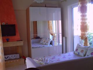 EOLOS APARTMENT - Rafina vacation rentals