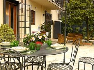 Domus Michelangelo wonderful apartment in Florence - Tuscany vacation rentals