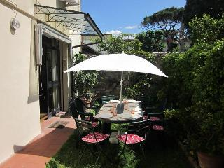 IL GIARDINO comfortable apartment with garden - Florence vacation rentals