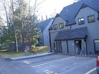 Condo 51/2,St-Sauveur, inside pool sauna and spa - Piedmont vacation rentals