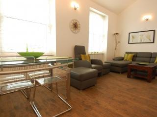 Smart and stylish Kings Road - Chelsea Apartments - London vacation rentals