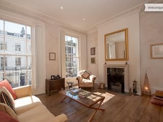 Georgian 4 Bed in the heart of Victoria - London vacation rentals