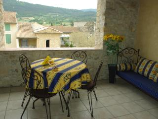 Beautiful Old Stone House in the Village of Sablet - Sablet vacation rentals