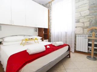 Izola - -down town- near the sea - Izola vacation rentals