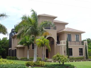 Spectacular 5/4 house with pool & spa - SPIN588 - Marco Island vacation rentals