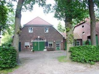 Vacation Apartment in Oldenburg - 700 sqft, farm, country, central (# 3864) - Lower Saxony vacation rentals