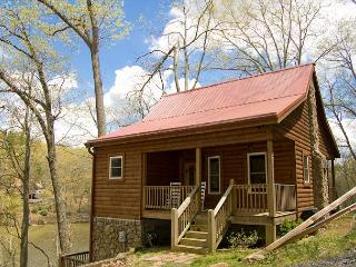Log Cabin on Ashe Lake, Gas Fireplace, Wi-Fi, Ping Pong and More. - West Jefferson vacation rentals