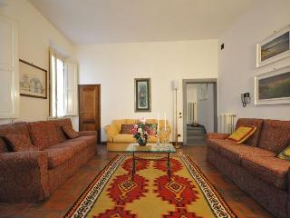 LITTLE GEM  Florence apartment near Santa Croce - Florence vacation rentals