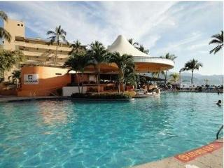 Oceanfront Luxurious 1 Bedroom Condo - Puerto Vallarta vacation rentals