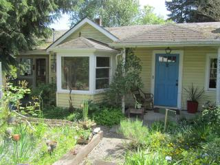 The Happy House - A Seattle Urban Oasis - Seattle Metro Area vacation rentals