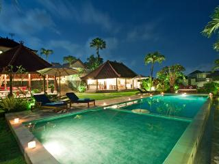 Luxury 5BR Rice Field View, Junno Villa, Canggu - Seminyak vacation rentals