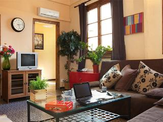 Big apartment, in the heart of el Born!Up to 12! - Barcelona vacation rentals