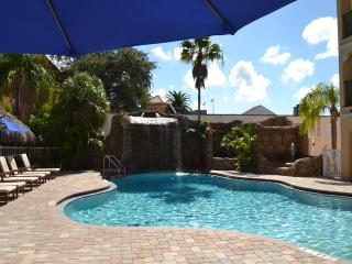 Coconut Cove Standard 1 Bedroom 2 Queens - Clearwater Beach vacation rentals