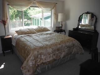 Sonoma Creek Cottage of Sonoma - 1 Bedroom - Sonoma vacation rentals
