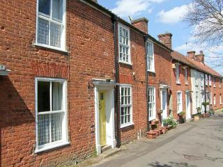 VALENTINE COTTAGE romantic retreat, town centre, woodburning stove in Aylsham Ref 20132 - Aylsham vacation rentals