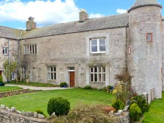 SMARDALE HALL, woodburner, fantastic location, character features, near Kirkby Stephen, Ref. 23932 - Kirkby Stephen vacation rentals
