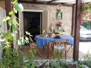 Lovely Sunny Cottage, 90 km from Dubrovnik - Trstenik vacation rentals