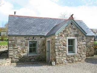 KYLEBEG COTTAGE, character cottage with woodburner, tranquil setting, near Lackan and Blessington, Ref 25248 - Blessington vacation rentals