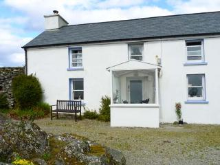 KILLEENLEIGH COTTAGE, family friendly, lawned garden, solid fuel stove in Glandore, County Cork, Ref 25700 - Rosscarbery vacation rentals