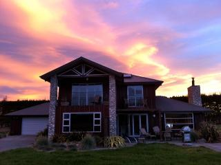 Oxford Pines Stylish Rural Deer Farm Accommodation - South Island vacation rentals