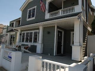 Ocean Views! Single Family Home w/ Rooftop Deck! Monthly Rental Only (68311) - Newport Beach vacation rentals
