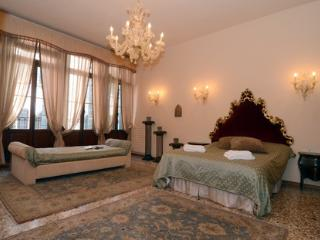 ID 2047 Elegant & Bright apt close to Canal Grande - Venice vacation rentals