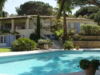Quiet area near Club 55 and Pampellone Beach. AZR 338 - Le Plan-du-Var vacation rentals